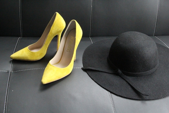 Jaspa King Richmond Lemon Yellow Suede Pump.
