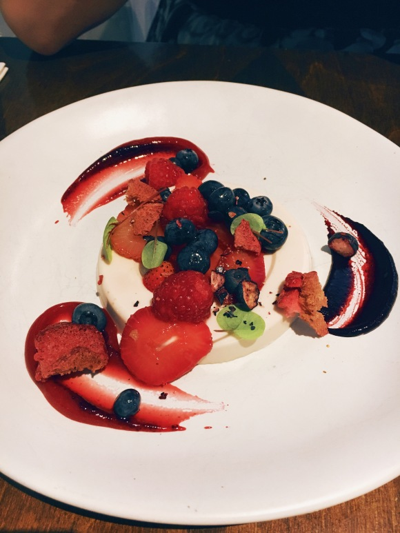 Pannacotta – hibiscus, berries & vermouth